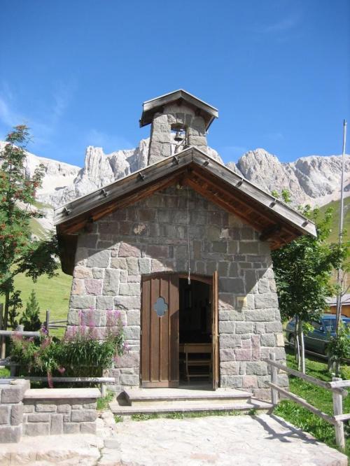 Fuciade, kapliczka #góry #Dolomity
