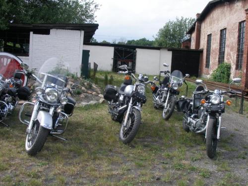 Muzeum Przemysłu i Kolejnictwa, Jaworzyna Śląska, Wystawa Harleyów i lokomotywy