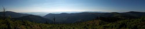 Widok z Zielonego Kopca na Skrzyczne, jezioro Żywieckie i Baranią Górę. W tle Diablak i Pilsko #zielony #kopiec #beskid #panorama #krajobraz