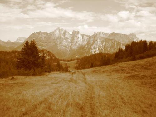 / sepia / #góry #Dolomity #Włochy