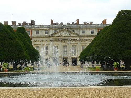 Elewacja wschodnia - XVIII w i Wielka fontanna #Hampton #Londyn #Tudor